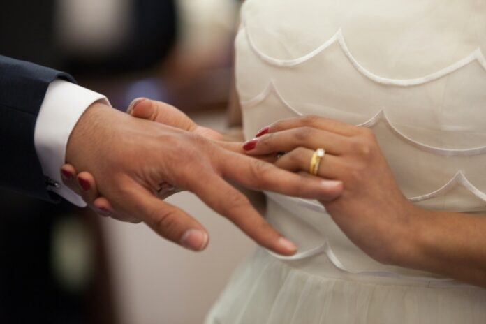WHO SHOULD YOU MARRY? The only SAFE person is your brother!!!